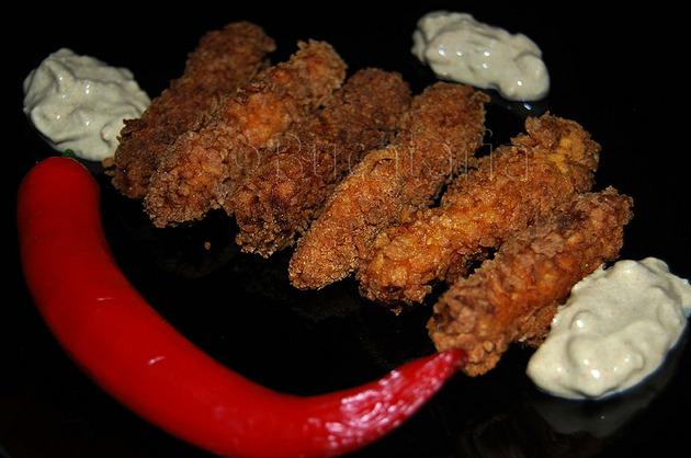 Crispy strips cu sos de usturoi