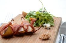 Pere cu kaizer şi salată de rucola
