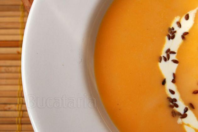 Supă cremă de cartofi dulci cu ghimbir