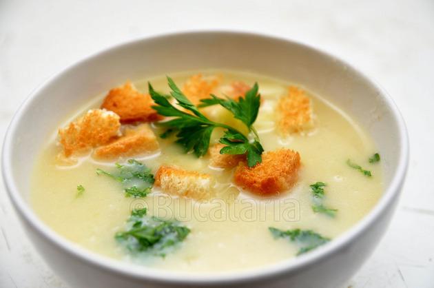 Supă cremă cu usturoi
