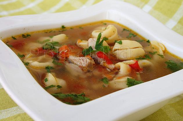 Supă de pui cu tortellini