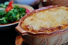 Lasagna cu pui şi sos de brânză
