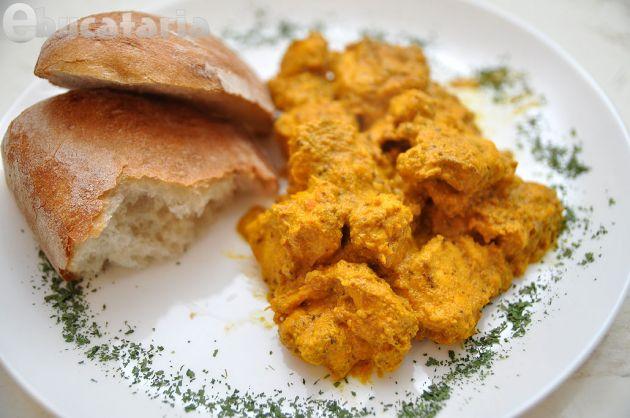 Curry de pui cu fistic