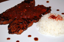 Vițel tandoori masala la grătar, cu sos picant