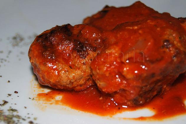 Chiftele libaneze cu sos