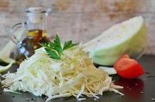 Salată de varză cu roşii