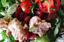 Salată de ton şi roşii
