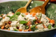 Salată cu brânză feta şi dovleac copt