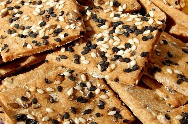 Crackers cu sare şi susan