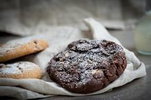 Biscuiţi cu ciocolată şi scorţişoară