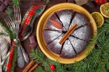 Prăjitură cu cacao şi nucă
