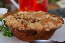 Muffins cu prune si crumble cu nuci