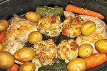 Friptură de pui cu cartofi şi ciuperci la cuptor