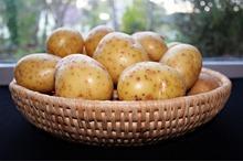REȚETE VECHI DE 100 DE ANI: Brânză sburată, de vacă sau de bivoliță și Budincă de cartofi