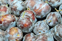 REȚETE VECHI DE 100 DE ANI: Dulceață de prune verzi (perje) și Dulceață de persici roșii