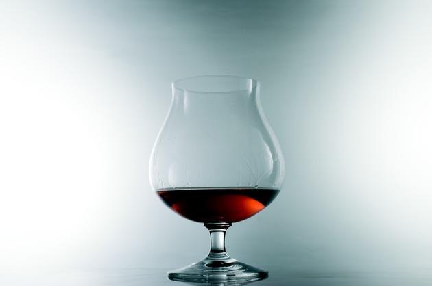 Medic: Copiii ale căror mame au consumat alcool în timpul sarcinii pot avea afecțiuni neurologice