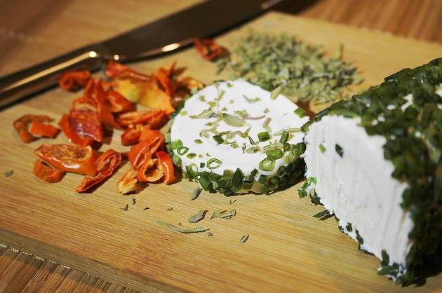 Consumul de brânză și surprinzătoarele sale beneficii pentru sănătate (studii)