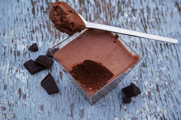 Consumul excesiv de ciocolată îi face pe bărbați să devină anxioși și deprimați - studiu
