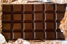 Iași: Copil tratat cu ciocolată, pentru a putea trăi