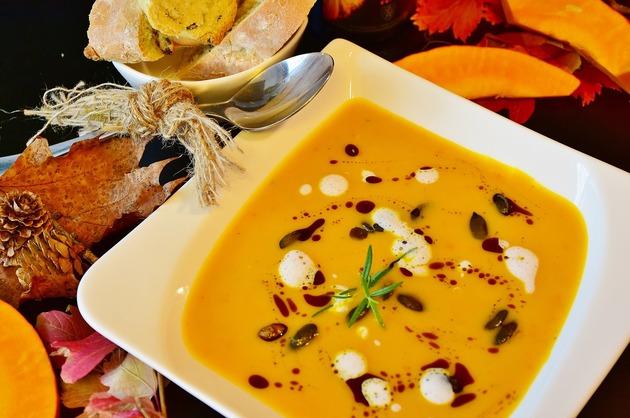 REȚETE VECHI DE 100 DE ANI: Gulias-Suppe și Lebber-Suppe