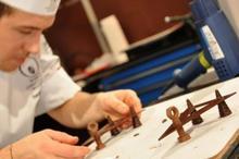 Tablouri comestibile, realizate din ciocolată, la mare preț în Rusia