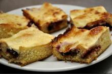 DESTINAȚII CU GUST Alba: Plăcintă cu ceapă și plăcintă cu prune și griș, rețete tradiționale de pe Valea Sebeșului