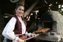 DULCEGĂRII Sălaj: Moșocoarnele, desertul tradițional de pe Valea Barcăului