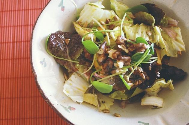 Salată cu nuci