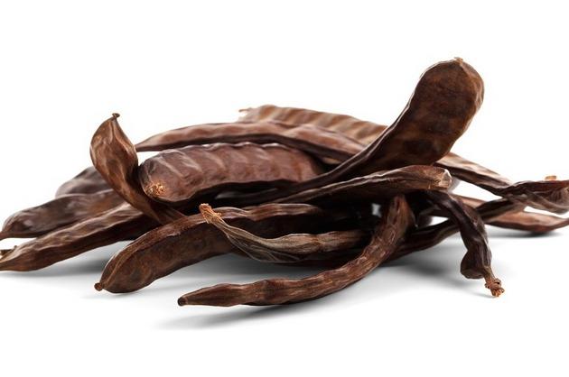 Pudra de carob vs. pudra de cacao – 5 motive pentru care să o alegi pe prima