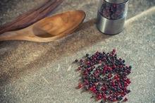 Piperul negru – beneficii şi contraindicaţii