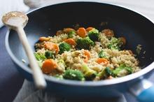 Quinoa cu broccoli şi morcov